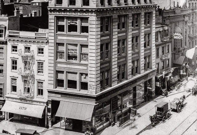 The Fruiterers, 28th Street and Broadway, 1905