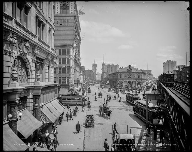 Herald Square, Looking North, 1904