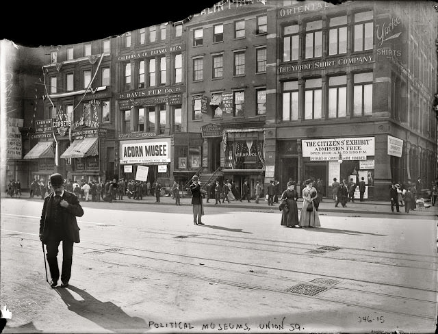 The Acorn Musee, 14th Street and Union Square West, 1909
