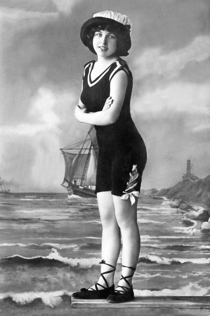 A Girl in A Bathing Costume,1909