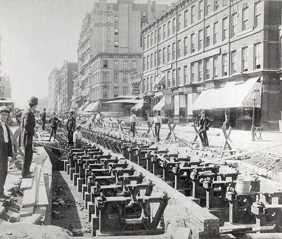 Laying cable line for trolleys in Union Square, 1891
