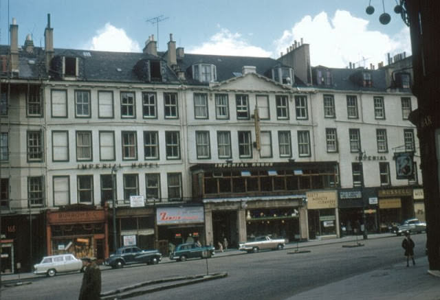 Imperial Hotel, Leith Street, from the junction with Little King Street (the pub on the right is Moir's Bar), Edinburgh, 1961