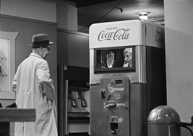 That's actually Harpo Marx surprising someone on Candid Camera from inside a Coca-Cola vending machine.
