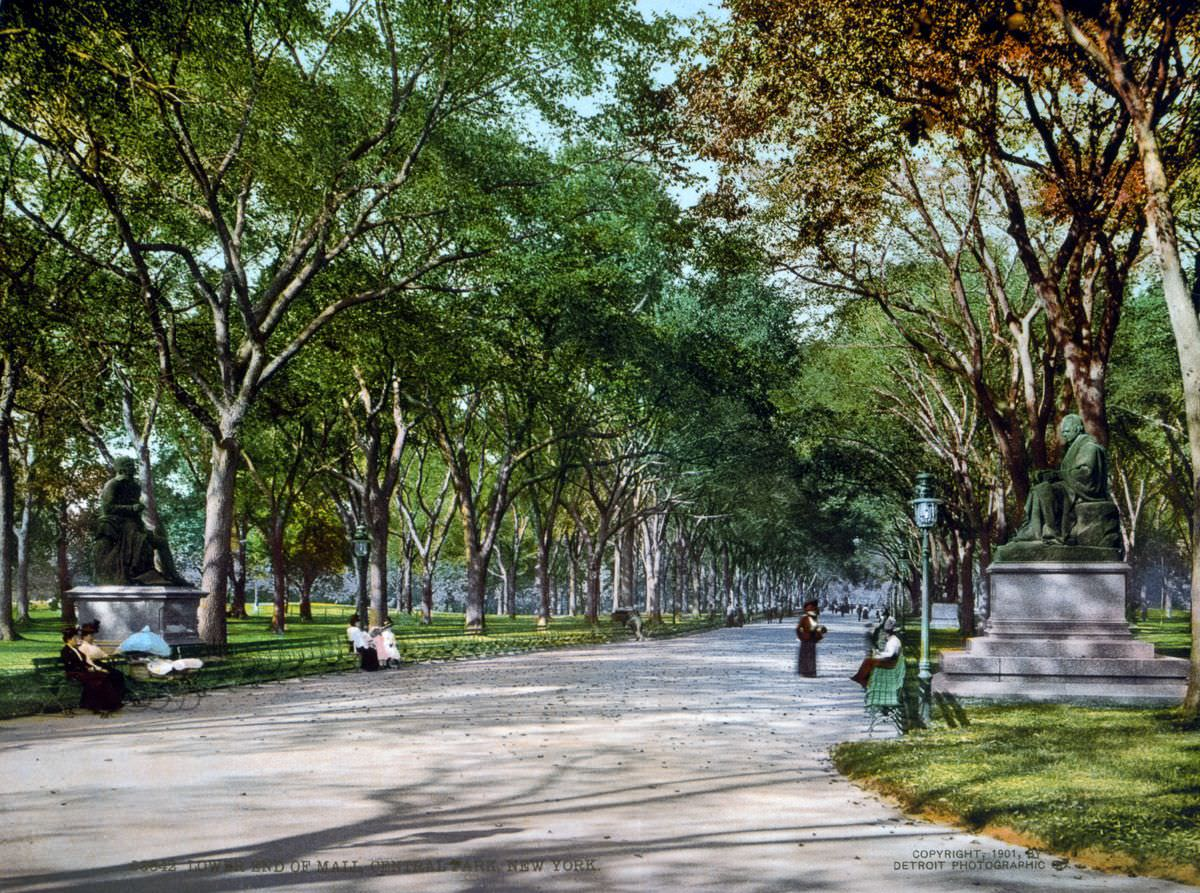 The lower end of The Mall, Central Park, 1900