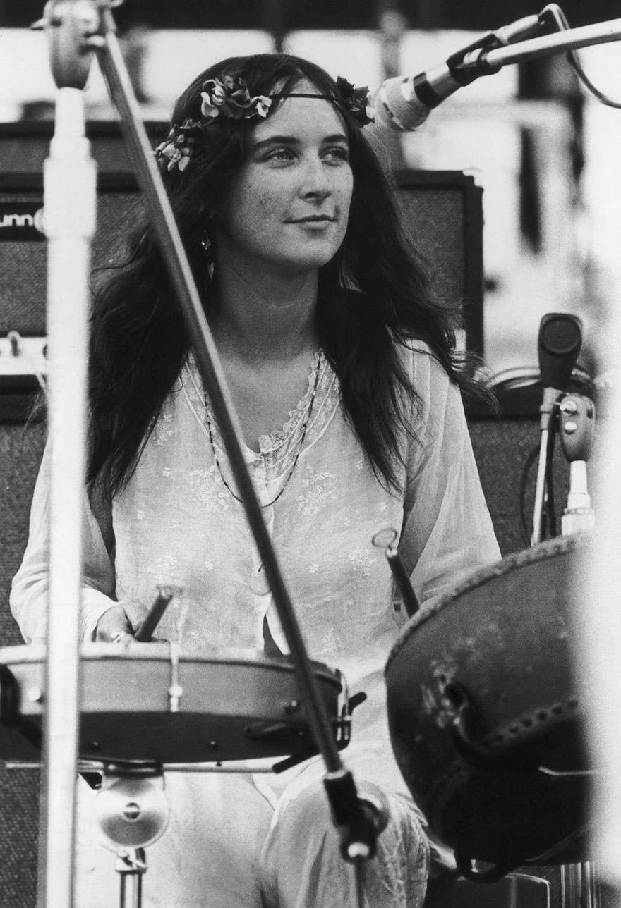 Christina 'licorice' Mckechnie, Of English Pop Group The Incredible String Band, Performing At The Woodstock Music Festival