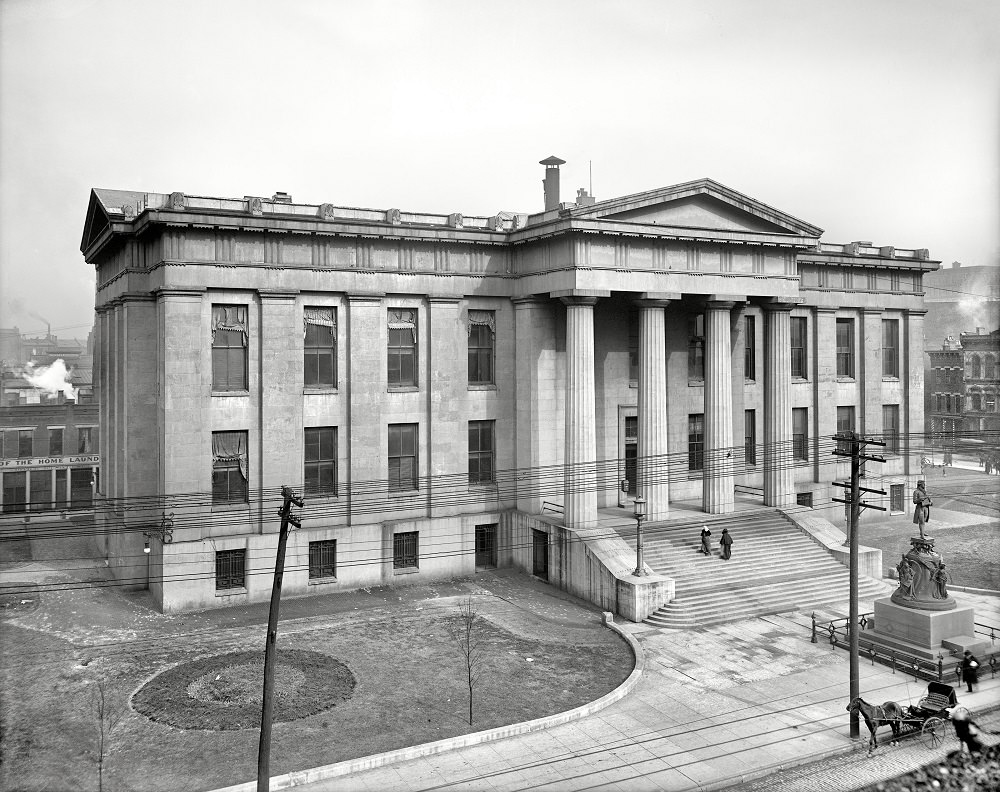 Courthouse and Thomas Jefferson statue, Louisville, 1906