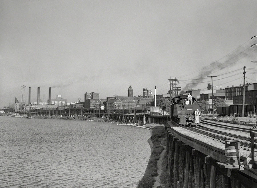 Louisville waterfront along the Ohio River, August 1940
