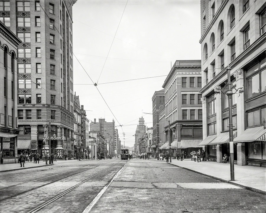 East Main Street at South Avenue and St. Paul Boulevard, Rochester, New York, circa 1904