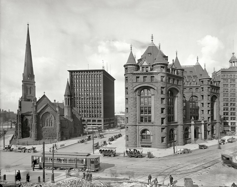Shelton Square, and St. Paul's Episcopal Cathedral, Prudential Building, Erie County Savings Bank, Buffalo, New York, circa 1908