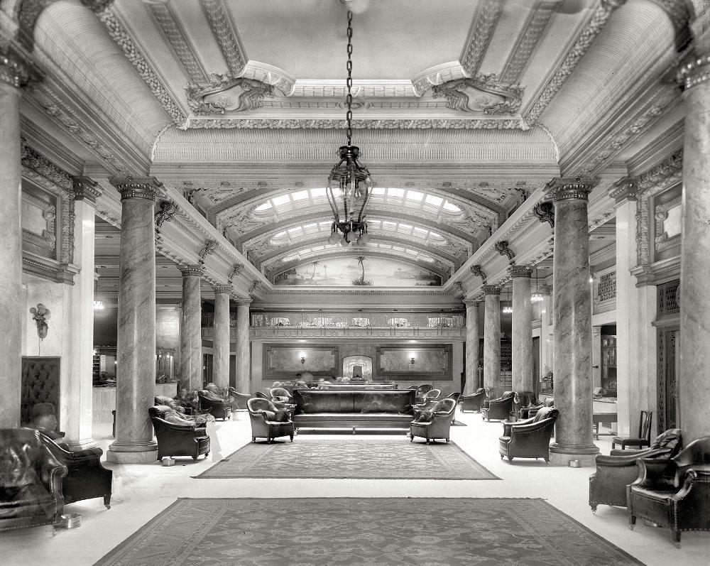 The lobby, Hotel Secor, Toledo, 1909