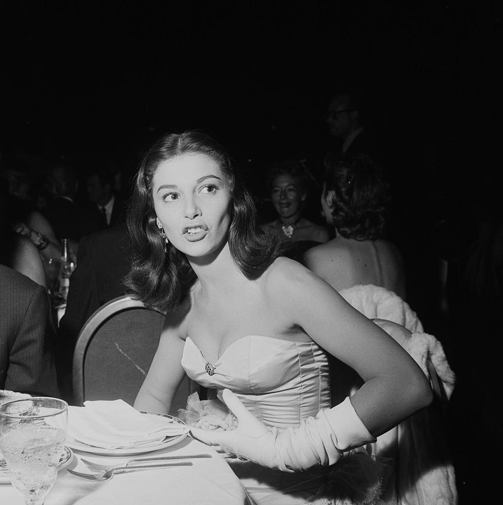 Pier Angeli at Cocoanut Grove to listen to Eddie Fisher in Los Angeles, 1954