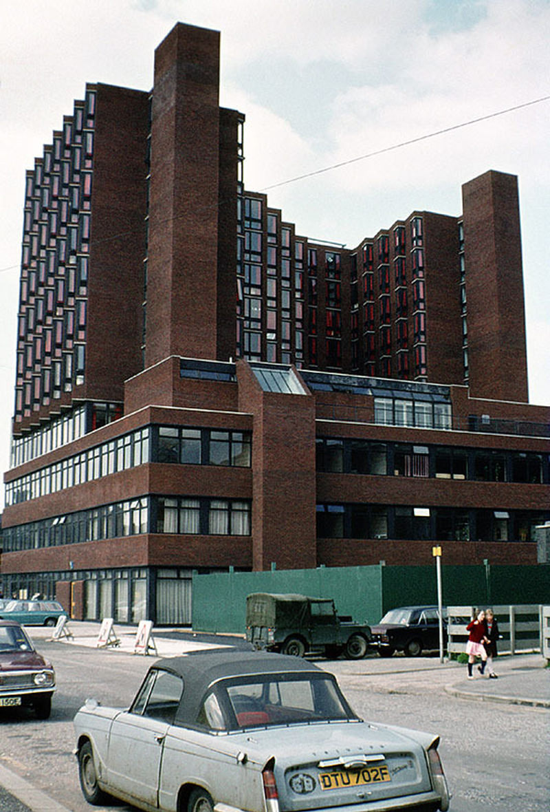 Loxford Tower, shortly after completion in 1974. This was the first newly-constructed building for Manchester Polytechnic and occupied part of the site of the new MMU Business School.