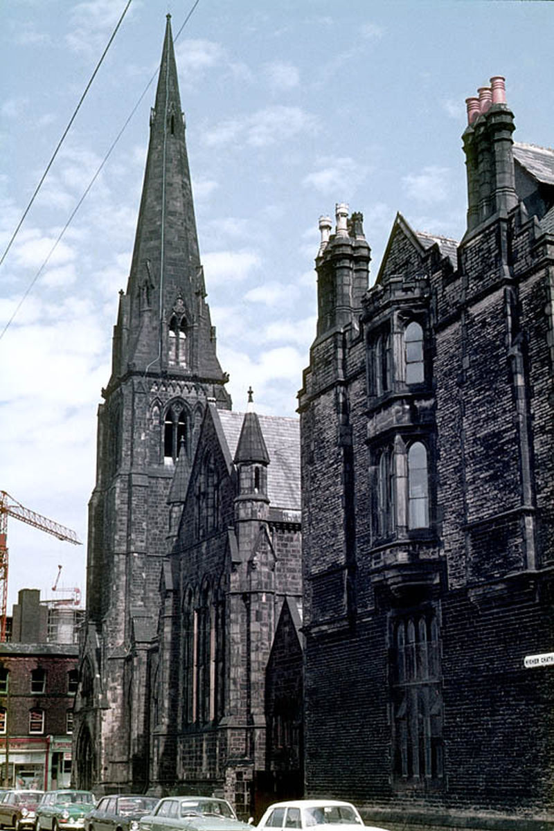 View along HIgher Chatham Street showing the Cavendish Street Chapel and School, which were demolished in 1974 to make way for the Cavendish Building.
