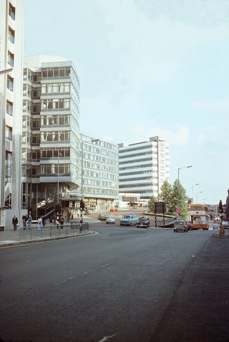 View along London Road and Piccadilly Station Approach, 1976