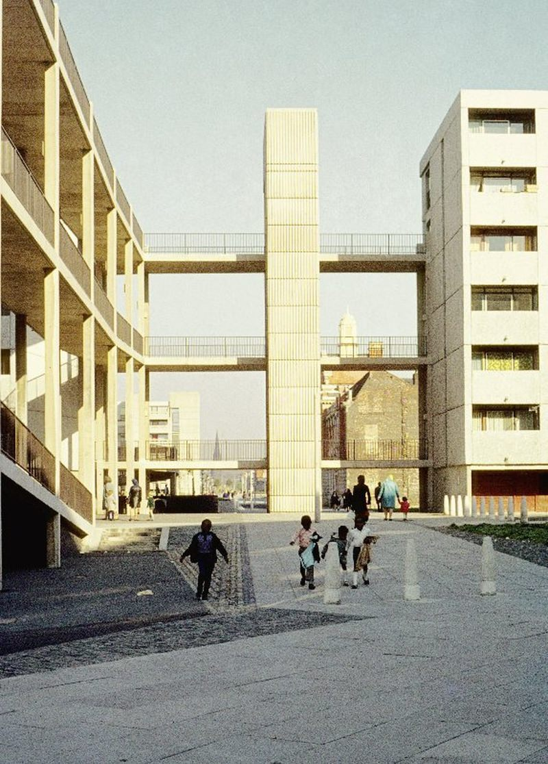 View along Hulme Walk in 1972, showing lift tower and walkways linking Charles Barry Crescent, Robert Adam Crescent and Hawksmoor Close.