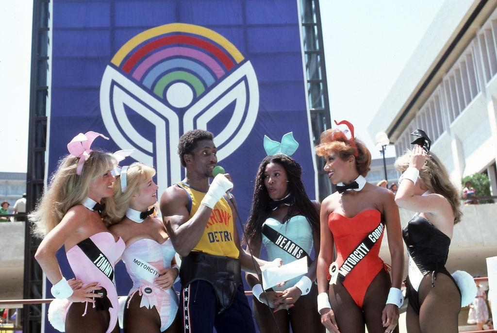 Thomas Hearns with Playboy Bunnies, Las Vegas, 1981.