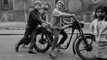 Shocking Photos Of Slums Families Of Newcastle upon Tyne From 1970s That Reveal The Other Side of Swinging 70s