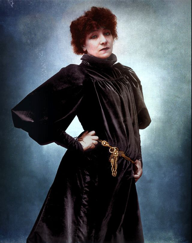 French stage actress Sarah Bernhardt photographed by Nadar, 1885