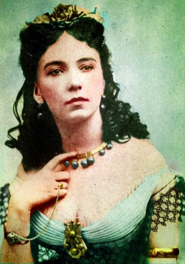One of the most famous and extravagant courtesans of Paris, with a string of aristocratic and royal lover, Cora Pearl photographed by André-Adolphe-Eugène Disdéri, 1854