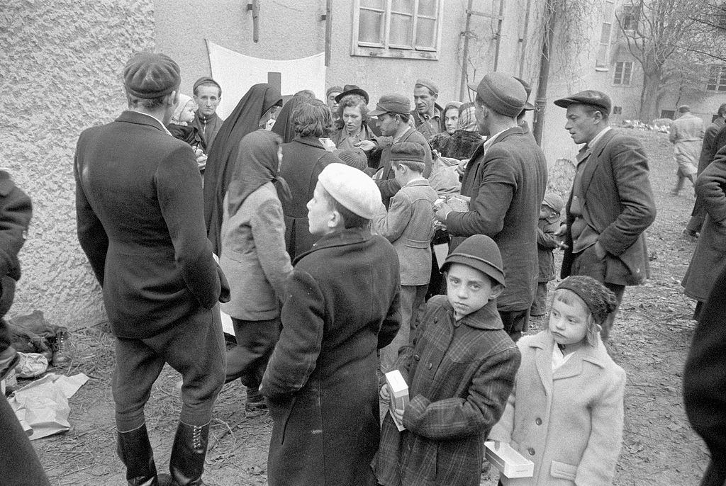 Hungarian refugees in a refugee camp, 1956.