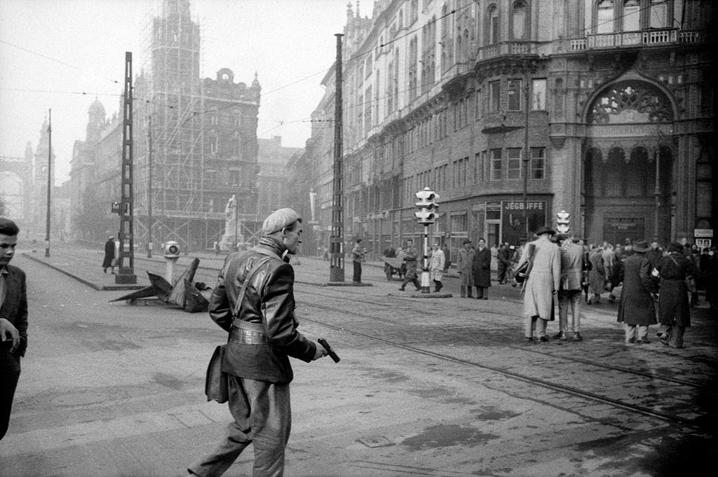Rebels and citizens in the streets of the city. Budapest, 29th October 1956.