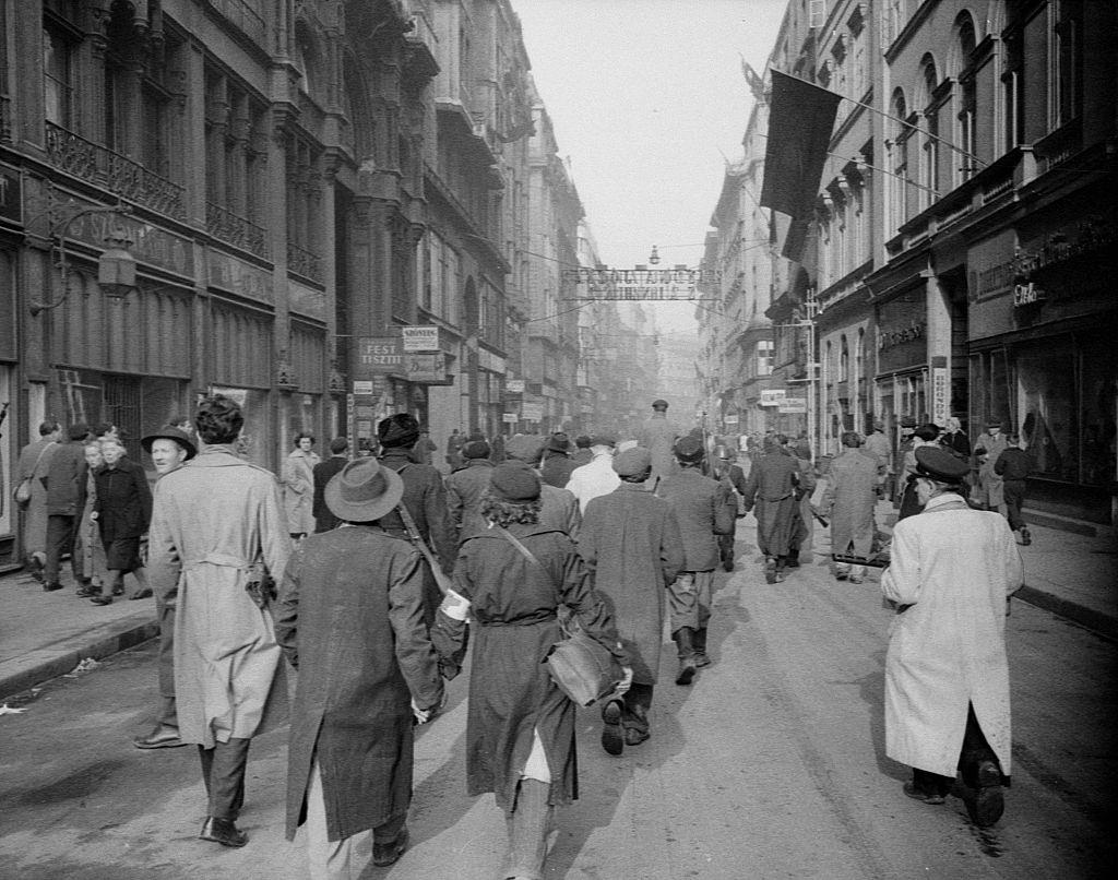 Rebels and citizens in the streets of the city. Budapest, 29th October 1956