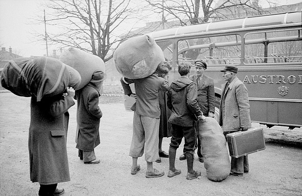 Hungarian refugees leaving toward Austria. November 1956