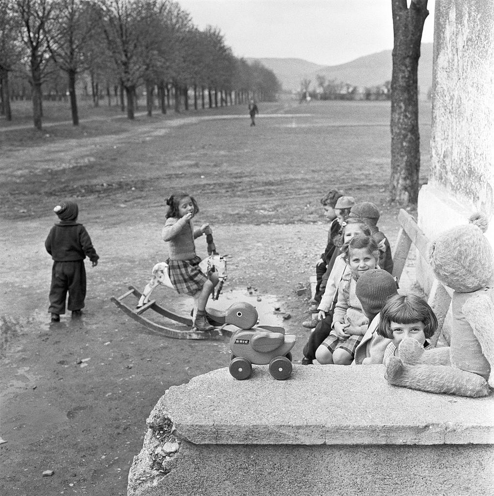 Hungarian refugee children in a camp. 1956.
