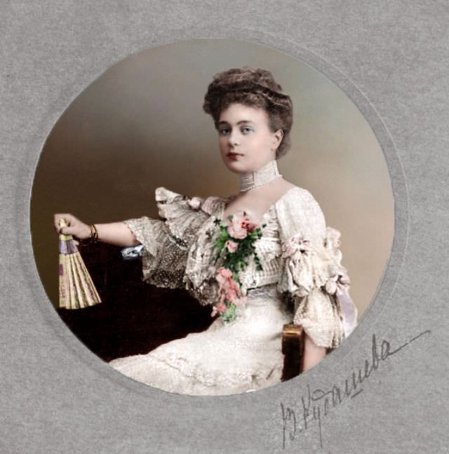 Portrait of a young Russian woman, 1910