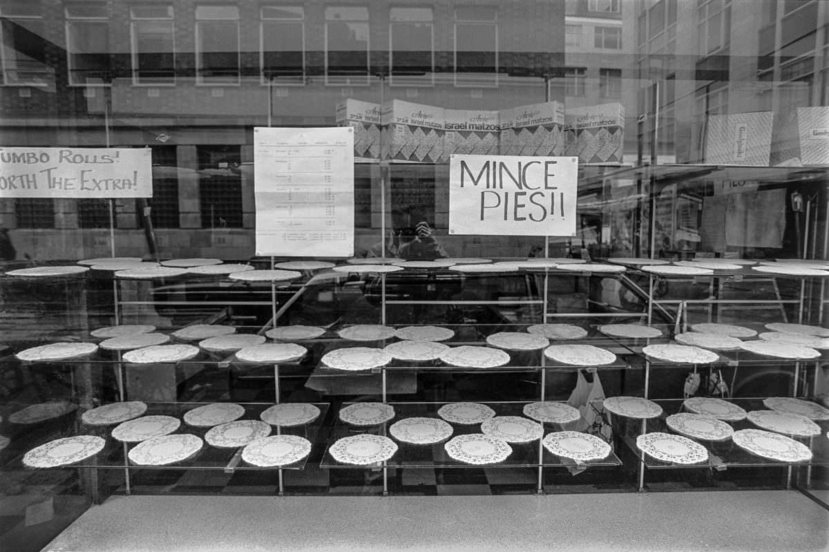 Mince Pies, Leather Lane, Camden, 1986