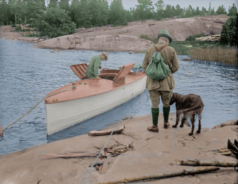 Preparing for departure, somewhere in the southern Finnish archipelago, 1920s