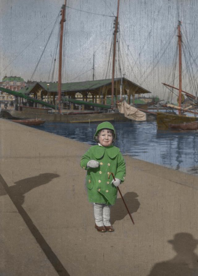 Finnish painter Hugo Simberg photographed his two year old son Tom in Helsinki's Southern Harbour.