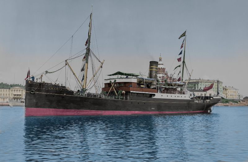 The Finnish Steamship Co Ltd. (FÅA) combined passenger and cargo ship S/S Urania in the Helsinki Southern harbour