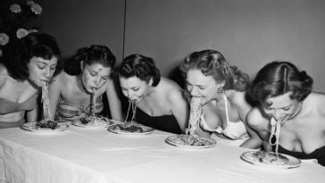 https://www.bygonely.com/wp-content/uploads/2021/01/featured_Eating_contests_early_20th_century.jpg