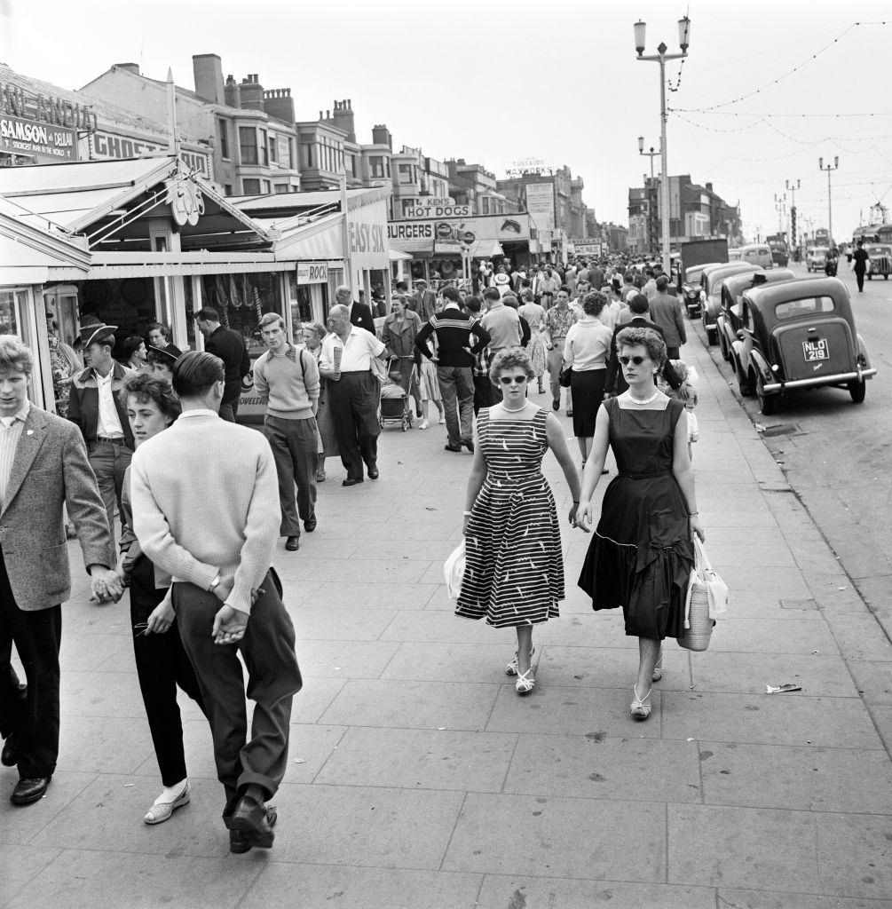 Holidaymakers on the Golden Mile at Blackpool, 1957.