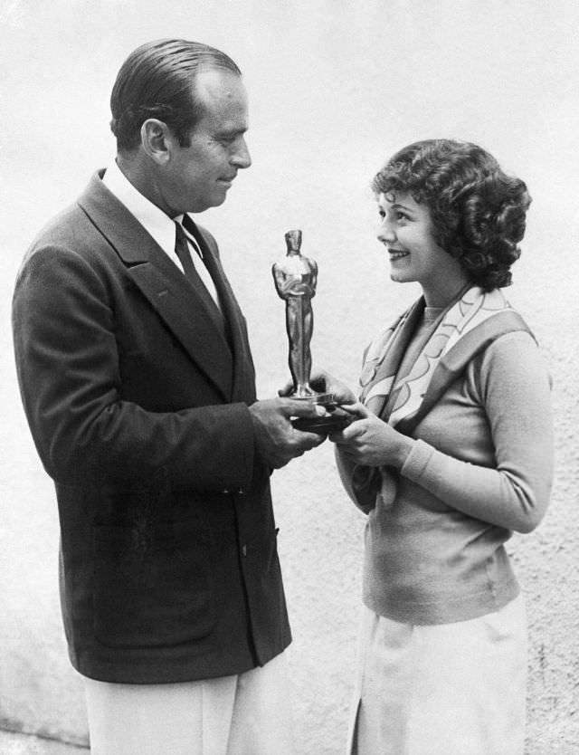 The winners of the first ceremony, including Janet Gaynor for best actress, were announced a few months in advance. Douglas Fairbanks, president of the academy, handed out the honors