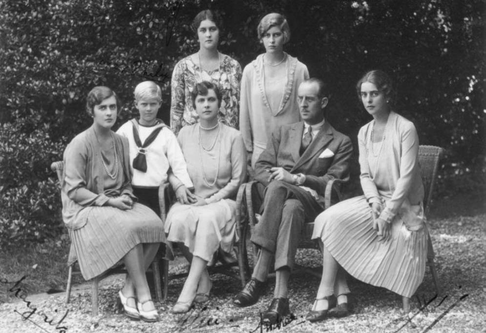 Prince Philip of England's family poses for a photograph, October 1928
