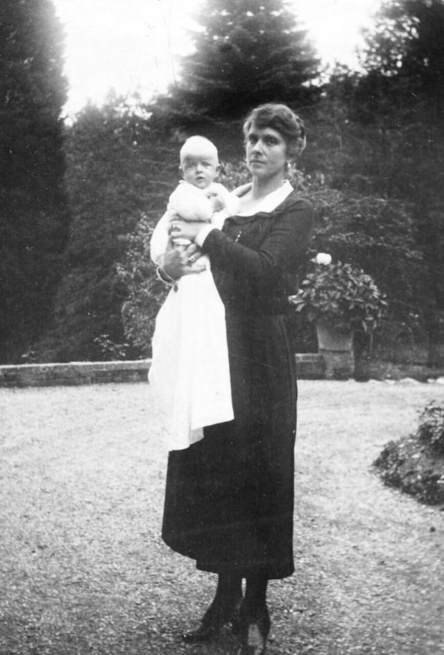 Alice of Battenberg and infant son Prince Philip of Greece, 1921.