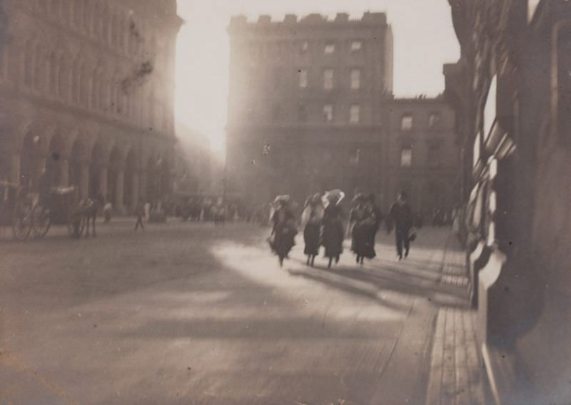 Untitled (hurrying figures in Martin Place), circa 1904