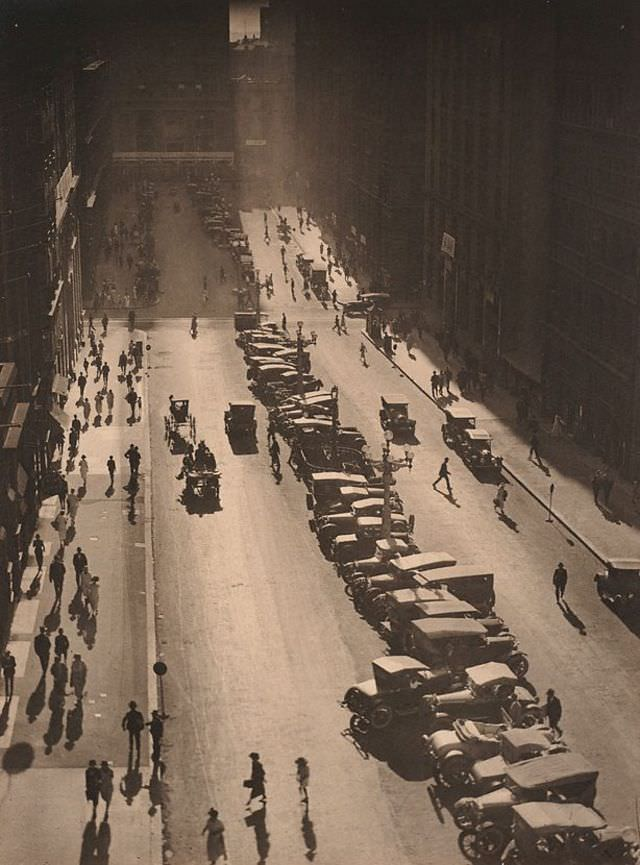 The Canyon, Martin Place, 1925