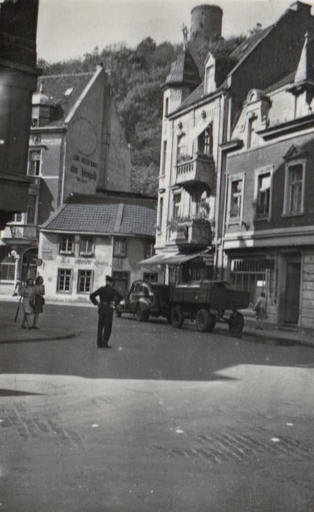 """The historic inn """"Zur Lindenwirtin Ännchen"""" in the old town of Godesberg, today part of the city of Bonn, 1938"""