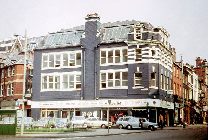 Building at the junction of Bridge Street and Motor Street.
