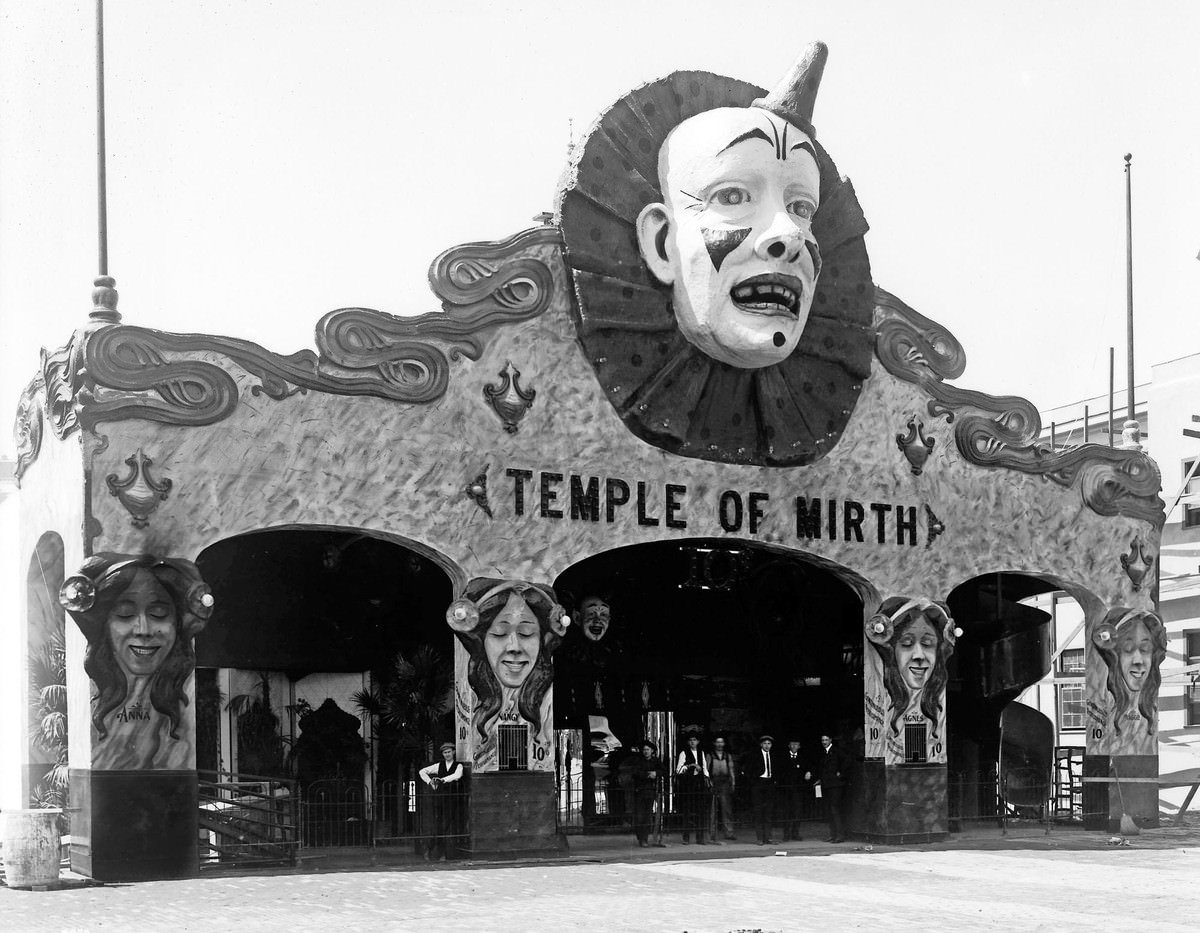 The Temple of Mirth concession on the Pike provided fairgoers entertainment with distorting mirrors, a cave of winds, and other novelties