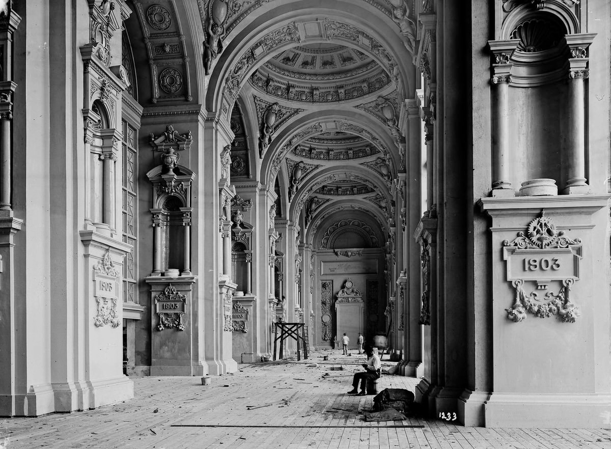The inside entrance of the Palace of Machinery, photographed as construction continued in 1903