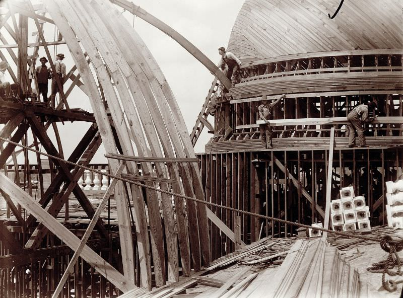 Dome and section of the roof truss for the Palace of Varied Industries building during construction for the 1904 World's Fair, 1902