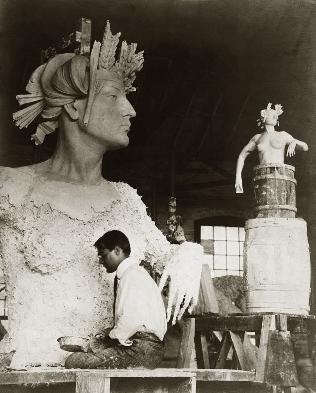 """Artist creating the statue """"North Dakota"""" for display at the 1904 World's Fair, 1903"""