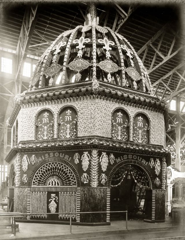 Missouri Corn Palace display in the Palace of Agriculture at the 1904 World's Fair, 1904