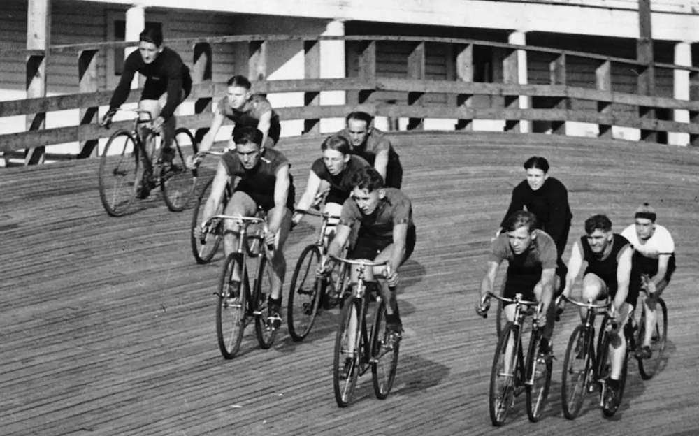 Cycling in Toronto 1900s