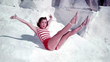 Debbie Reynolds: Life Story and Gorgeous Photos When she was Young