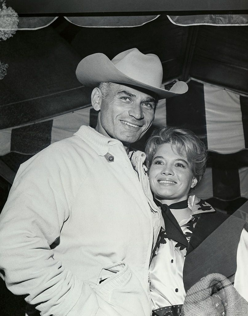 Angie Dickinson with Jeff Chandler.